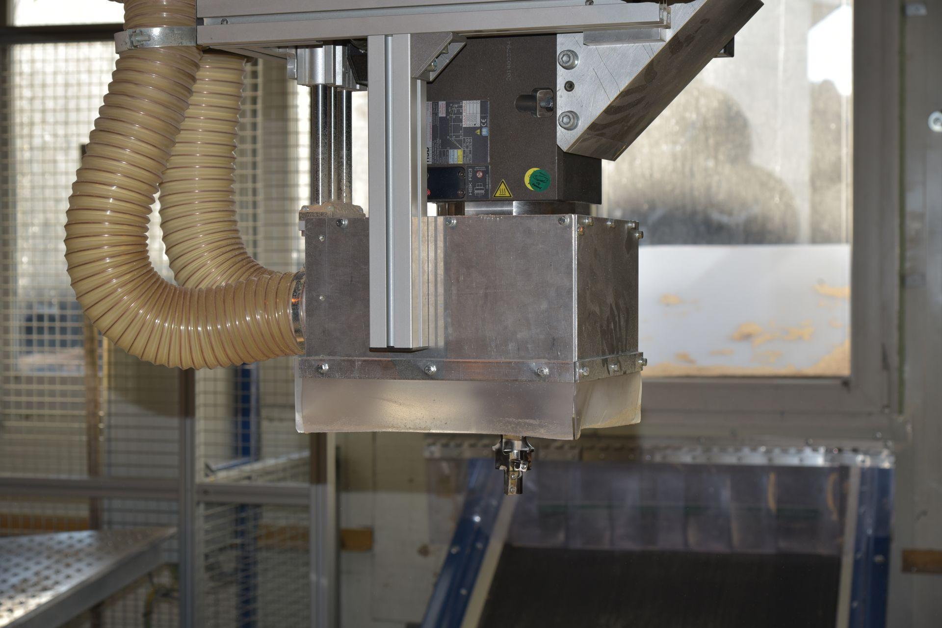 Frézovanie otvorov či dier do rôznych materiálov bez akýchkoľvek chýb pri únave či vyčerpaniu personálu