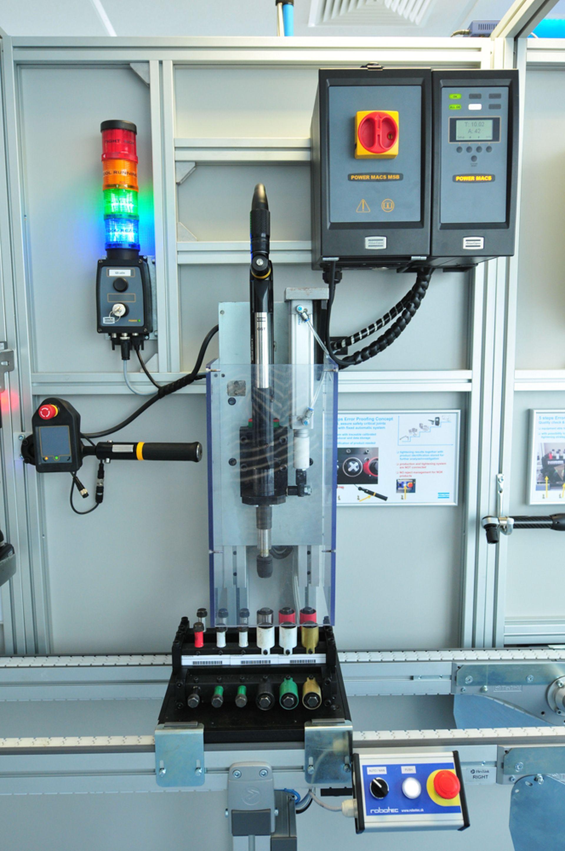 Automatizačné linky na ručnú montáž vieme navrhnúť a vyrobiť na mieru