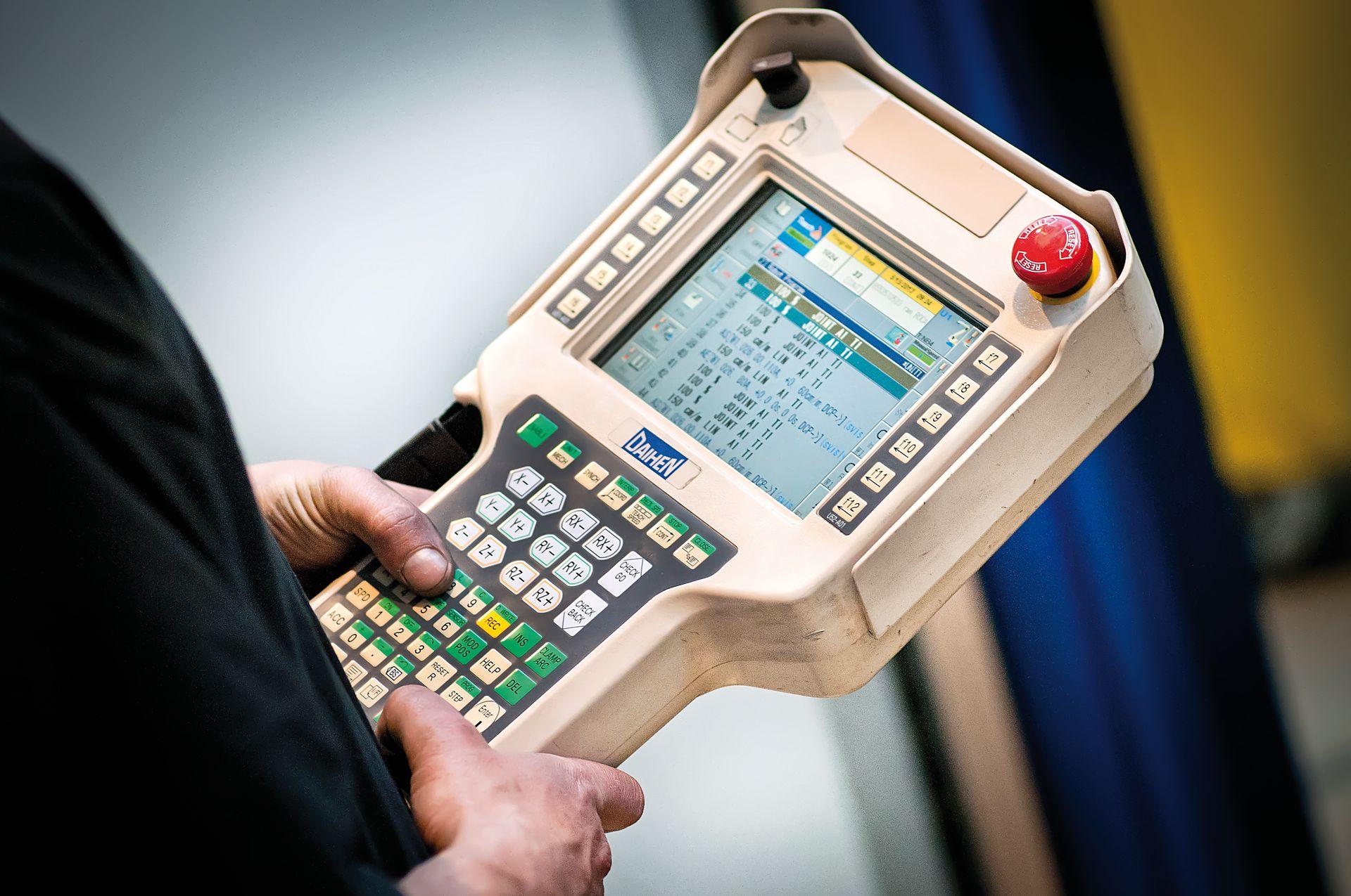 Zabezpečujeme kompletné záručné, pozáručné aj doplnkové služby v rámci automatizácie